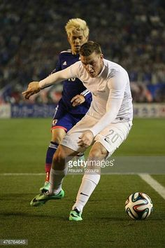 Chris Wood of New Zealand competes for a ball during the Kirin Challenge Cup international friendly match between Japan and New Zealand at National...
