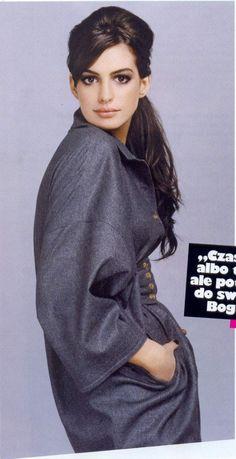 Anne Hathaway channeling her best Audrey Hepburn. Anyone agree? http://www.hipswap.com/audrey-hepburn/audrey-hepburn