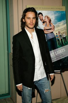 Hehe. Theo would totally approve of those jeans. #FOSAD #TaylorKitsch