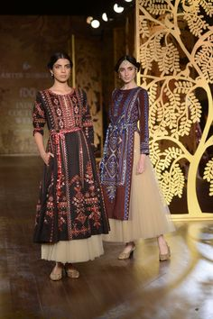 The line showcased an eclectic mix of colours including hues of blue, rich maroons, inky black, and a stunning emerald green. Anita Dongre#ICW2017https://www.perniaspopupshop.com/