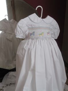 Size 6 White Smocked dress by SmockingByGinaBug on Etsy, $75.00