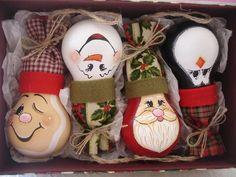 draw cute faces on the light bulbs #DIY #Craft #Christmas #LightgBulb