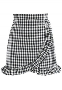 Cool Like Ruffle Skorts in Black Gingham - New Arrivals - Retro Indie and Unique Fashion Frilly Skirt, Gingham Skirt, Ruffle Skirt, Skirt Mini, Mini Skirts, Summer Skirts, Summer Outfits, Chicwish Skirt, Golf Skirts