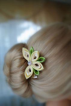 DSC_7366   Gera Diana   Flickr Ribbon Hair Clips, Ribbon Art, Diy Hair Bows, Ribbon Crafts, Fabric Ribbon, Cloth Flowers, Fabric Flowers, Kanzashi Tutorial, Crochet Headband Pattern