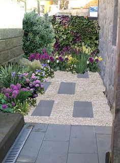 08 Beautiful Small Front Yard Landscaping Ideas - All For Garden