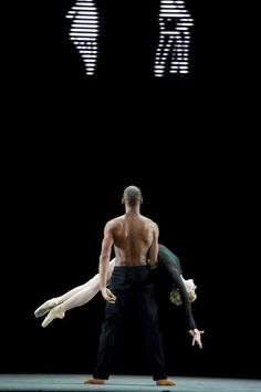 "The Royal Ballet's Melissa Hamilton and Eric Underwood in Wayne McGregor 's ""Infra"""