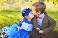 The Doctor and his TARDIS. The most adorable Doctor Who themed costumes Cosplay Kids, Geeks, Minions, Don't Blink, Dr Who, Superwholock, Film, Doctor Who, Eleventh Doctor