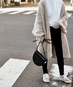 Knit Fashion, I Love Fashion, Modest Fashion, Fashion Outfits, Womens Fashion, Fashion Design, Korean Street Fashion, Asian Fashion, Cute Casual Outfits