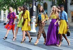 2/4 ファッションタイプもカラータイプも違うイメコン学校の7人の同期。回を重ねる度に素敵になって、皆で歩くと「何の集団!?」ってほどになれたら素敵だな☆…と夢はさらに広がってゆく…。
