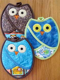 Just when you thought that there were no more owl projects for your kitchen, along comes this very wise set of pot holders to sew and display alongside your owl apron, owl table cloth and other owl accoutrements. From Annie's Crafts.