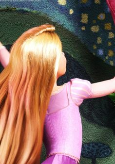 The texture of the paint tho! And the detail of her dress! You can see the button bumps beneath her corset bodice! Disney Rapunzel, Tangled Rapunzel, Arte Disney, Disney Magic, Disney Art, Disney Princesses, Disney Dream, Disney Love, Disney And Dreamworks