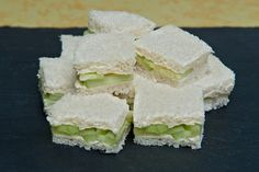 Finger sandwiches are small, dainty sandwiches that generally contain only a thin layer of ingredients. A finger sandwich is generally only a third or a quarter the size of a. Tea Recipes, Cooking Recipes, Picnic Recipes, Cooking Tips, Healthy Recipes, Sandwich Buffet, Tea Party Sandwiches, Cucumber Sandwiches, Gastronomia