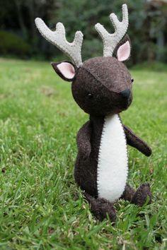 D is for Deer : PDF pattern for hand sewn felt deer by ricracsews
