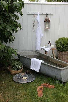 Trädgårdens SPA /    NORD no. 27: augusti 2013 Outdoor Life, Outdoor Spaces, Outdoor Living, Outdoor Decor, Outdoor Bathtub, Outdoor Bathrooms, Algarve, Japanese Bath House, Garden Shower