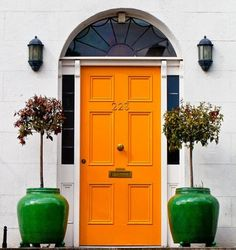 orange door {via BeSoStyle blogspot}