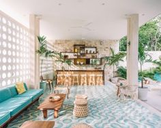 Completed in 2016 in Tulum, Mexico. Images by Arturo Zavala Haag. The Tiki Tiki Hotel Tulum has only fifteen rooms and is surrounded by a magnificent jungle. Its architecture is inspired by the modern architecture. Modern Pools, Mid-century Modern, Miami Architecture, Casa Hotel, Muebles Art Deco, Patio Tiles, Outdoor Furniture Sets, Modern Furniture, Outdoor Decor