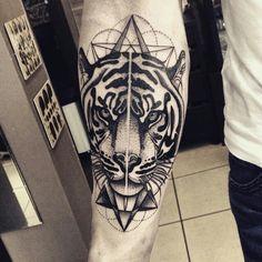 wykonany przez (done by): @katoskar  miejsce (location): KATOWICE  #bigcat #profil #tiger #tigertattoo #blackart #obserwuj #polska #dziara #tatuaż #styl #sztuka #tygrys #kot #inked #animaltattoo #tattooking #obrazek #projekt #zwierzę #tattoolife #skóra #kraków #katowice #gdynia #rzeszów #wrocław #polskadziewczyna #polishmen #polishwoman #polandtattoos