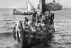 Refugees or Immigrants? The Migration Crisis in Europe in Historical . Old Pictures, Old Photos, Vintage Photos, Greece Photography, Greek History, World War One, Historical Photos, Istanbul, Dresses