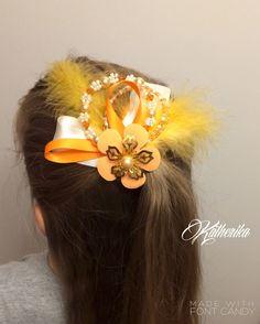 Haarclips - Haarschmuck mit Federn Perlen orange weiß  - ein Designerstück von Katherika bei DaWanda