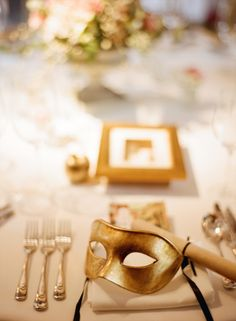 Venetian Mask Wedding Favor | photography by http://anetamak.com #gold