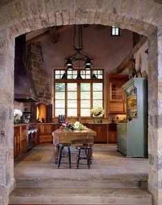 Una belleza rústica de espacio, de circulación, de luz, de horno de leña y cocina con campana....me encanta