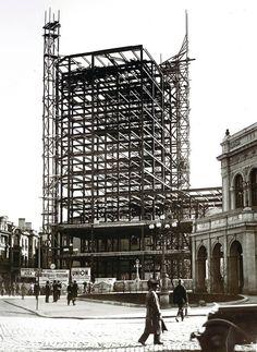 Palatul Telefoanelor 1932 Stone Facade, National Theatre, Bucharest, Time Travel, Wonderful Places, Romania, Palace, Entrance, Past