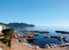 Cala Bona Cala Bona, Places To Travel, Places To Visit, Barcelona, Honeymoon Spots, Balearic Islands, Majorca, Canary Islands, Beautiful Islands