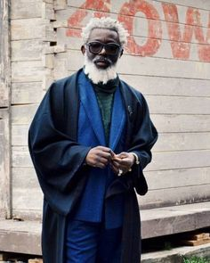 "takablotaro: ""The Best Street Style From Milan AW 2016 gallery of - GQ "" Dandy, Grey Hair Care, Grey White Hair, Afro Men, Male Kimono, Gents Fashion, Dapper Dan, Man Photography, Classy Men"