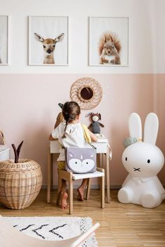 Awesome baby nursery tips are offered on our site. Have a look and you wont be s Awesome baby nursery tips are offered on our site. Have a look and you wont be sStijlvol Wonen: het magazine voor warm-hedendaags wonen - ontwerp: Ate. Baby Bedroom, Baby Room Decor, Girls Bedroom, White Bedroom, Nursery Bag, Nursery Room, Baby Room Design, Kid Spaces, Kids Decor
