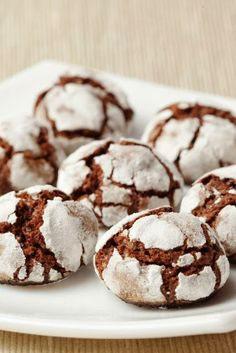 Fudge Crinkles ~ These are chewy, fudgy, SUPER EASY cookies that you can probably make right now! I have watched these disappear time and again and everyone is always asking for the recipe