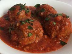 Klopsiki z pieczarkami w sosie pomidorowym