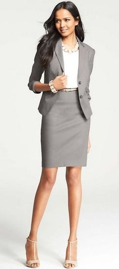 to Wear to a Job Interview A fashionable yet conservative interview attire option to wear to your next interview.A fashionable yet conservative interview attire option to wear to your next interview. Business Dresses, Business Outfits, Business Attire, Office Outfits, Mode Outfits, Business Fashion, Office Wear, Business Formal, Office Uniform