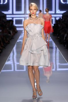 Look N° 29 / Spring-Summer 2012 / Collection / READY-TO-WEAR / Woman / Fashion & Accessories / Dior official website