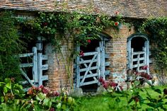 Old English garden stable gates, something about this I just love!