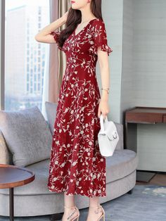 V-Neck Abstract Print Printed Maxi Dress , Maxi Dress With Sleeves, Short Sleeve Dresses, Dress Silhouette, Abstract Print, Leather Fashion, Fashion Prints, Fashion News, Bell Sleeves, Floral Prints