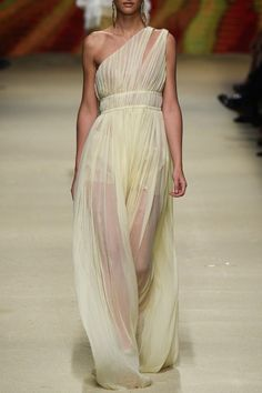 ALBERTA FERRETTI – SS16 – PREORDER HERE: www.precouture.co... PRECOUTURE.COM is the first European website offering the possibility to preorder the looks straight from the runway. Order your looks now and wear them before anyone else, before it hits stores !