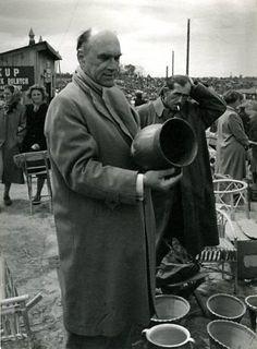 Jaroslaw-Iwaszkiewicz- poeta- polski Ormianin --Sandomierz--rok-1950.jpg (339×460)