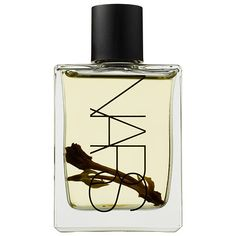 Continuing in the tradition and spirit of French Polynesia, Nars launches Monoi Body Glow II to complement the original and all around best-selling favorite, Nars Body Glow. Capturing Monoi de Tahiti oil in its purest state, Monoi Body Glow II create