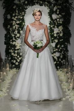 The 15 Most Amazingly Gorgeous Brand-New Wedding Dresses, Hot Off the Runways: Glamour.com