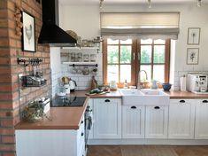 Home Decor Kitchen, Kitchen Interior, Kitchen Dining, Kitchen Cabinet Design, Kitchen Cabinets, Brick Wall Kitchen, Garage Makeover, Sweet Home, Interior Design