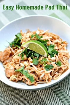 Pad thai doesn't have to be a takeout meal! Here is a recipe for easy homemade pad thai featuring a delicious homemade pad thai sauce. Thai Recipes, Asian Recipes, Vegetarian Recipes, Chicken Recipes, Dinner Recipes, Cooking Recipes, Healthy Recipes, Cooking Fish, Healthy Breakfasts
