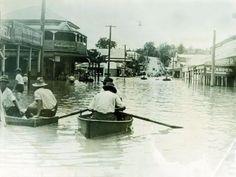 Brisbane Street in flood Ipswich 1927 Ipswich Qld, Brisbane City, Queensland Australia, Sunshine State, Photo Postcards, Back In The Day, Vintage Photography, Historical Photos, Old Photos
