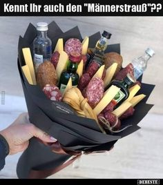 Wonderful Photographs Only a bouquet of men What& going on here anyway Style presents for guys who have every thing,gifts for guys diy Xmas presents for men,leather gifts for m Diy Birthday, Birthday Gifts, Funny Birthday, Man Bouquet, Food Bouquet, Bouquet For Men, Diy Gifts, Christmas Gifts, Diy Presents