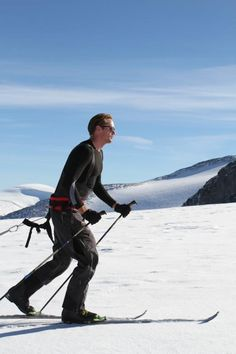 Alexander Skarsgard training with Walking With the Wounded in Norway #TeamUS