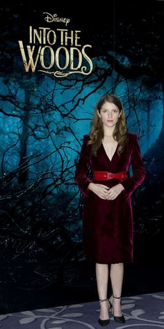 Anna Kendrick - Photocall for 'Into The Woods' at Corinthia Hotel in London - Anna Kendrick Pictures, Pictures Of Anna, Into The Woods Movie, Cinderella Wallpaper, Child Actors, High Society, Celebs, Celebrities, Feature Film