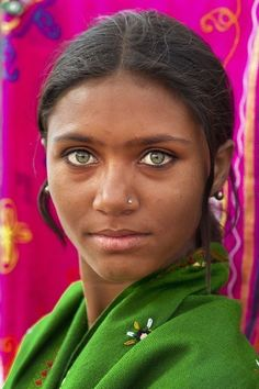 34 Super Ideas For Photography Portrait Asian Eyes Pretty Eyes, Cool Eyes, People With Green Eyes, Green Eyed People, Beautiful People, Beautiful Women, Beautiful Pictures, Asian Eyes, Beauty Around The World