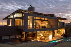 The concept incorporated the idea of floating elements which resulted in distinctive features that distinguish this house as a Nico van der Meulen masterpiece. Description from contemporist.com. I searched for this on bing.com/images