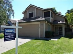 8966 Weeping Fig Way, Sacramento, CA 95758 — Great Laguna Property! 3 Bedrooms and 2 baths with separate Family Room. Laminate flooring in Family Room, Formal dining area and Kitchen. ALL Bedrooms are upstairs. Backyard with raised planter bed for those who love to garden. Come Home!