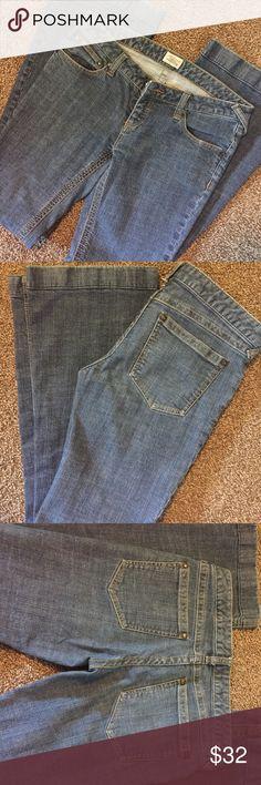 Free People Flare Leg Jeans Great wide legs jeans in great condition. Free People Jeans Flare & Wide Leg