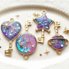 Resin jewelry making - Silver Gold Key Open Bezel Pendant Necklace Wand Open Bezel Charm UV Resin Crafts – Resin jewelry making Kawaii Jewelry, Cute Jewelry, Diy Jewelry, Jewelery, Unique Jewelry, Jewelry Necklaces, Uv Resin, Resin Art, Resin Pendant